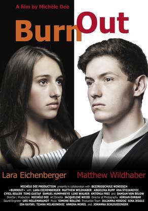"""Eine Abschlussklasse der Bezirksschule Windisch hat einen abendfüllenden Spielfilm zum Thema Burnout gedreht. Der Film heisst """"BurnOut"""". Zuständige Regisseurin und Lehrerin ist Michèle Bachmann."""