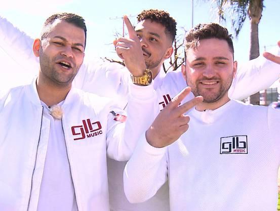 Die Rapper Koray (32), Daniel (30) und Pita (24) nach ihrer Ankunft in Kalifornien, wo es schnell die erste Ernüchterung gibt.