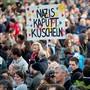 Die Kundgebungsteilnehmer in Österreichs Hauptstadt Wien demonstrierten gegen Rassismus und Sozialabbau im Land.