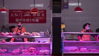 Der Preis für Schweinefleisch hat in China auch im April für einen Inflationsschub gesorgt. (Archivbild)