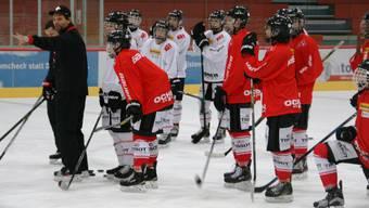 Die von Thierry Paterlini gecoachte U18 tritt im Sportzentrum Zuchwil am top besetzten Fünf-Nationen-Turnier auf.