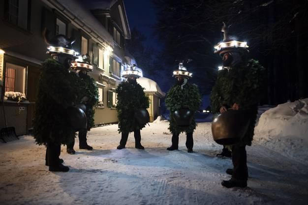In Appenzell wurde Alter Silvester gefeiert – Chläuse zogen lärmend durch die Gegend.