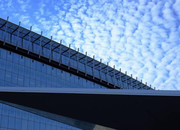 Rhapsodie in Blau , Flughafen Kloten