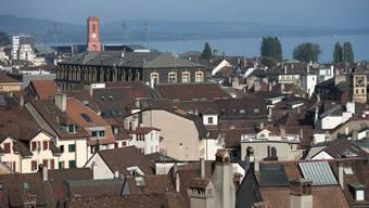 In Neuenburg wird eine Französin Regierungsrätin – in den meisten anderen Schweizer Kantonen wäre ihre Politkarriere nicht möglich gewesen.