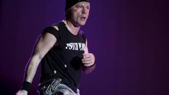 Sänger Bruce Dickinson persönlich fliegt die Boeing, die Iron Maiden und ihr Equipment um die Welt fliegen. Am 3. Juni wird die Band in Luzern erwartet (Archiv).
