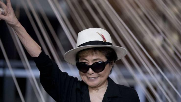 """Sieg! Yoko Ono hat einen Rechtsstreit gewonnen: Eine Hamburger Bar darf sich nicht mehr """"Yoko Mono"""" nennen, sie heisst jetzt """"Mono"""". Trotz allem: Die Publicity ist unbezahlbar. (Archivbild)"""