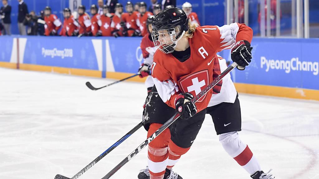 Lara Stalder ist nicht nur eine Teamstütze im Schweizer Nationalteam (im Bild an den Olympischen Spielen 2018), sondern auch in ihrem Klub in Schweden: Mit Brynäs gewann sie Silber, die Qualifikation hatte sie gar als Topskorerin der Liga abgeschlossen