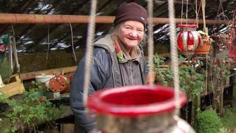 Frau Bräm in ihrem Gewächshaus und damit in ihrer eigenen Welt. (Archivbild)