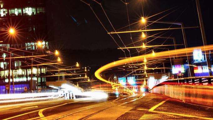 Hardbrücke nachts