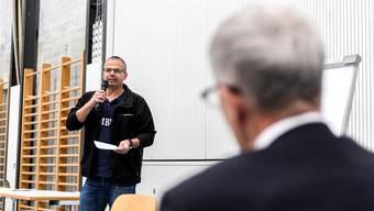 Im April noch wirkte Daniel Laubscher bei der Quartierkonferenz Weststadt mit – unter Beisein von Kurt Fluri.