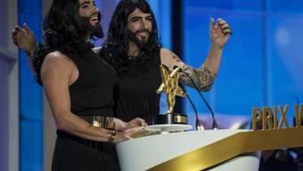 Sie zählen zu den erfolgreichsten Komikern der Schweiz - und trotzdem erhalten Jonny Fischer (links) und Manu Burkart im Alltag laufend Witze-Tipps von Unbekannten. (Archivbild)