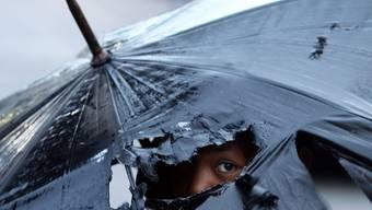 Heftiger Taifun trifft auf Japan