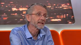 Der ehemalige Pfarrer Lukas Baumann in der Sendung «TalkTäglich» auf Tele Züri – anstelle des Sissacher Metzgers bot ihm Urs Keller, Metzgermeister aus Zürich, Paroli.