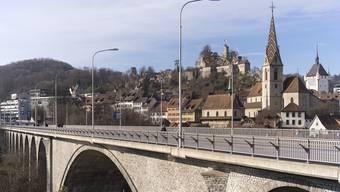 Hochbrücke vor der Altstadt von Baden, 4. Januar 2019.