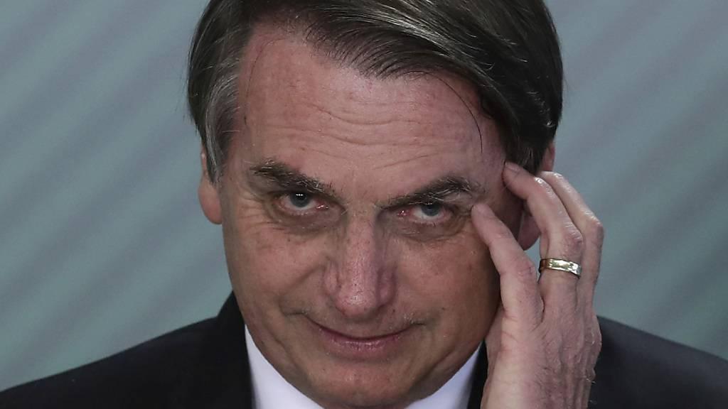 Der brasilianische Präsident Jair Bolsonaro hat sein Veto gegen eine vom Parlament beschlossene Maskenpflicht eingelegt. (Archivbild)