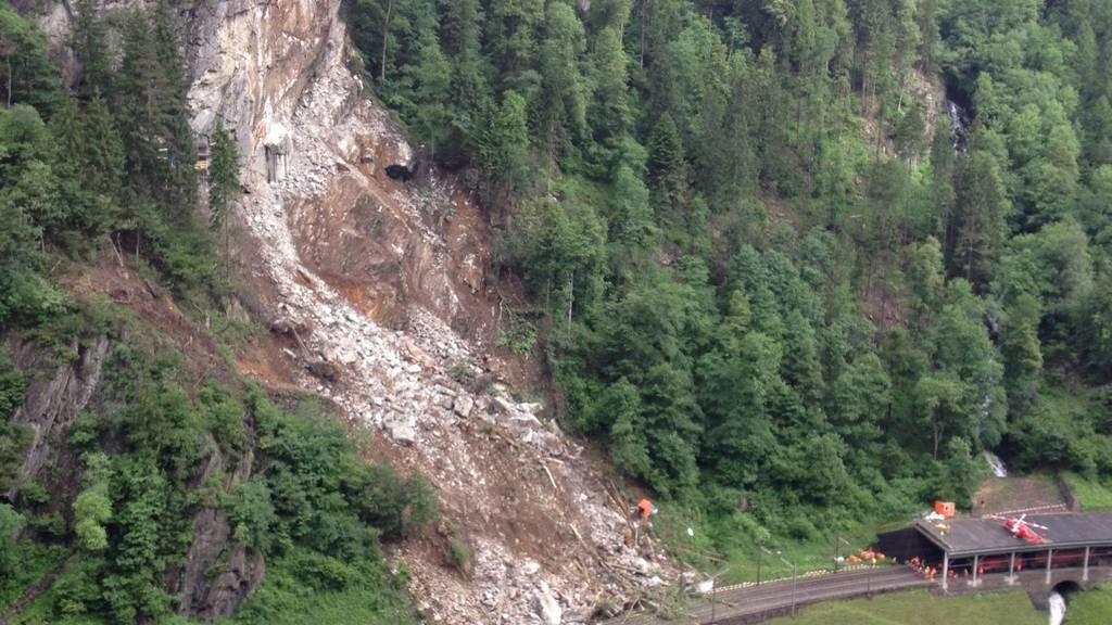 Trotz Felssturz am Gotthard läuft der Nord-Süd-Güterverkehr