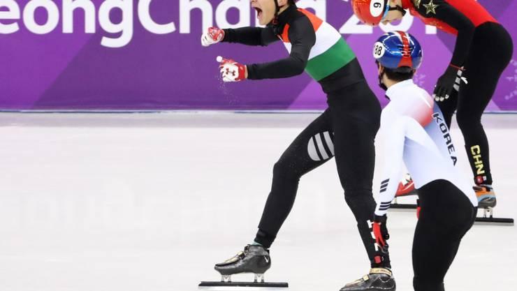 Grosse Freude beim ungarischen Shorttrack Schlussläufer Liu Shaolin Sandor nach dem Gewinn von Olympia-Gold in der 5000-m-Staffel der Männer