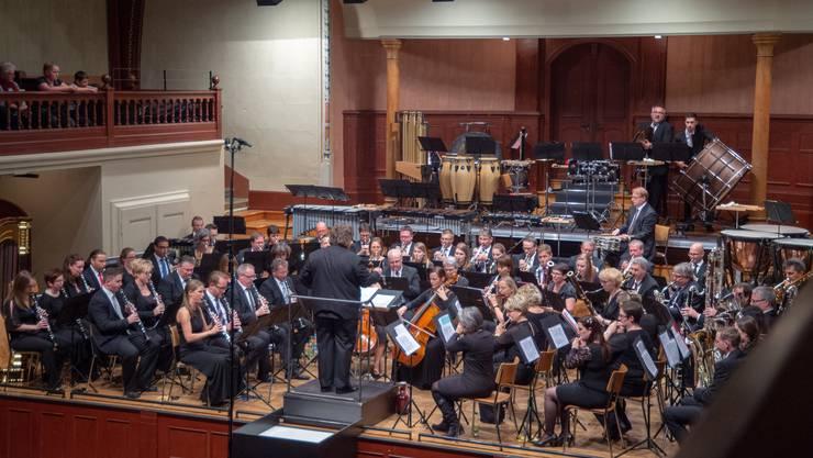 75 Musikanten aus dem ganzen Kanton und ein spanischer Dirigent.