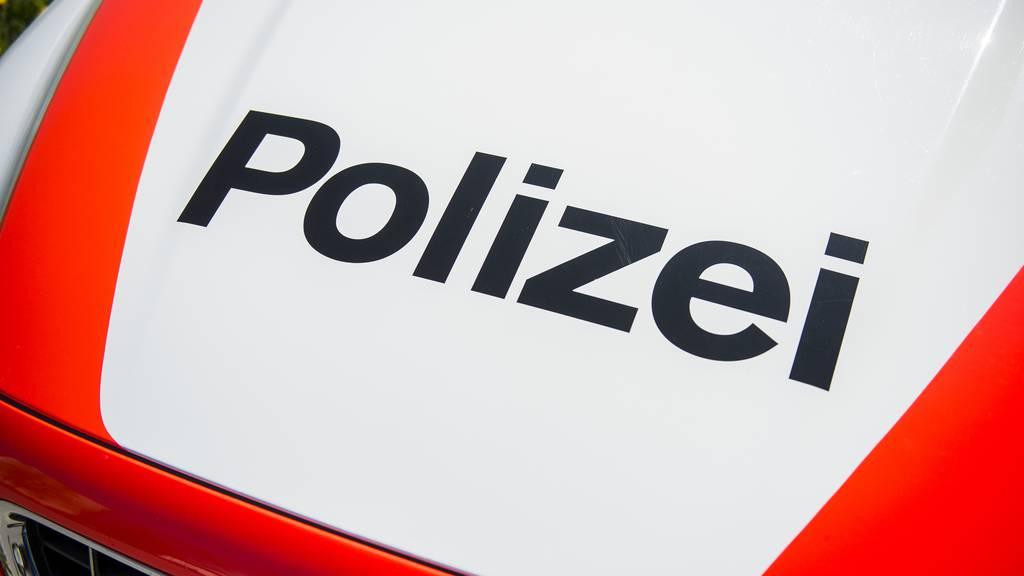 Unbekannte überfallen Bahnhofskiosk in Aadorf