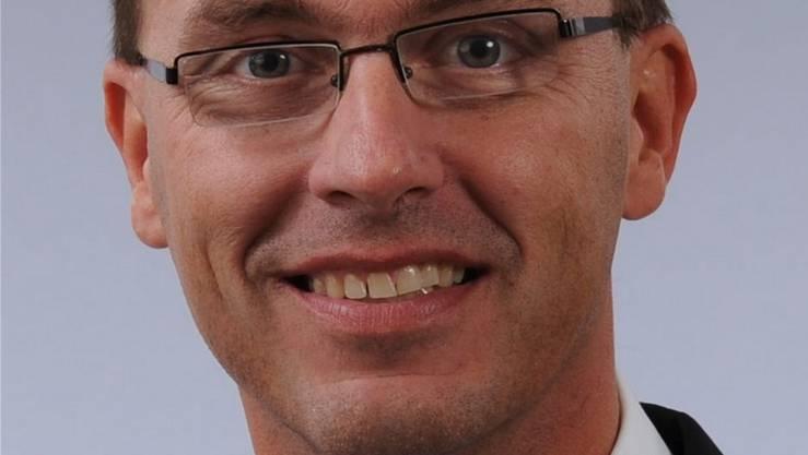 Mario Schenker (Gretzenbach), dipl. Experte in Rechnungslegung und Controlling, ist Inhaber und Geschäftsführer der Treuhand- und Unternehmungsberatungsfirma Schenker & Partner AG in Däniken. Er ist seit der Gründung 2007 Mitglied der Verwaltungsräte der vier Elektra-Aktiengesellschaften derGemeinden Däniken, Dulliken, Gretzenbach und Obergösgen. In diesem Interview äussert er seine persönliche Meinung.