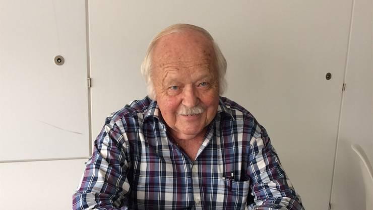 Emil Allemann (80) aus Rüttenen freut sich über sein zweites Buch.