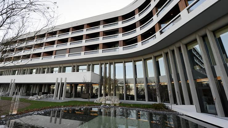 Aussenansicht des Hotel Atlantis in Zürich. Der Eigentümer plant die Schliessung auf Ende April 2020. Archivbild