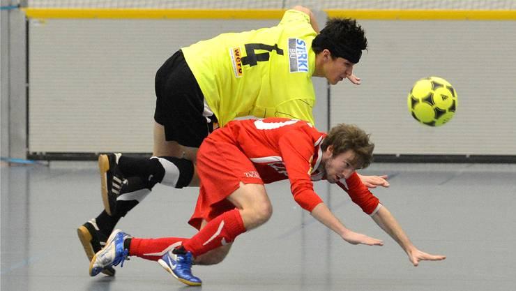 Ein Bild der Vergangenheit: Duell zwischen dem FC Solothurn und Wangen bei Olten am Zuchwiler Indoor-Cup.