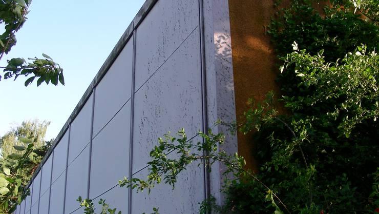 Schulanlage Hasel Spreitenbach: Sanierungsbedürftige Fassade