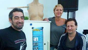 Die bewährten Köpfe der Artbar freuen sich auf den Dezember: Claudio Cassano, Regula Zimmerli (vorne), Claudia Piani und Robbie Caruso.  BY