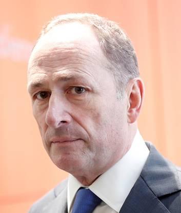 «Anders als die Privatbank HSBC, die sich mit dem französischen Staat auf eine Abfindung von 300 Millionen Euro geeinigt hat, ist sich die UBS keiner Schuld bewusst oder überführt. Damit entfällt jede Grundlage für eine Verhandlung. »