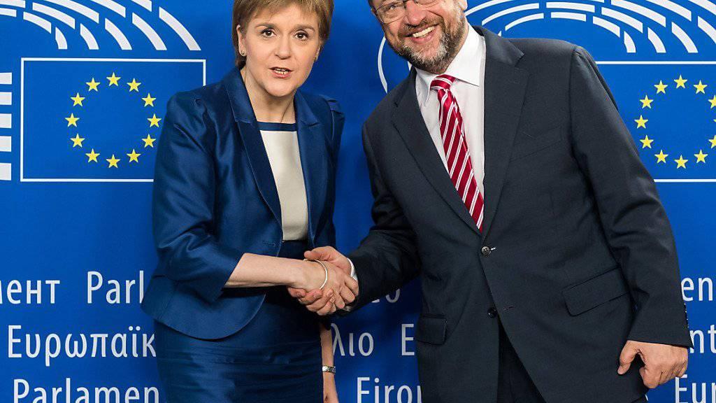 Die schottische Regierungschefin Nicola Sturgeon will bei ihrem Besuch am Mittwoch in Brüssel die Chancen auf eine EU-Mitgliedschaft Schottlands ausloten.