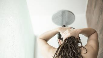 Die Duschbrause kann bis zu 300 Franken pro Jahr einsparen.