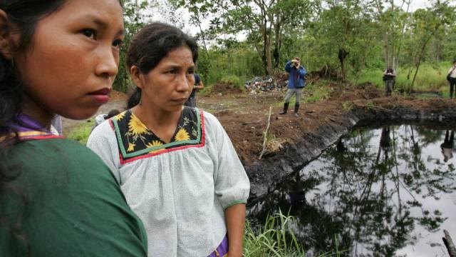Durch Texaco  verschmutzter See im Regenwald von Ecuador (Archiv)
