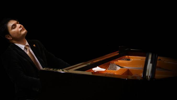 Pianist Pervez Mody konzertierte mit dem Stadtorchester.