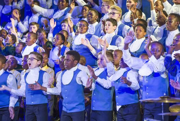 Drakensberg Boys Choir tritt am 11. europäischen Jugendchorfestival in Basel auf.