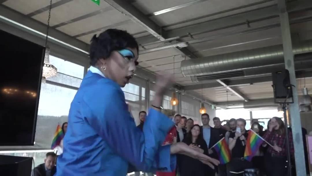 Schwule und Lesben feiern ihren Abstimmungssieg