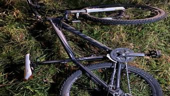 Fahrradfahrerin in Arni verletzt