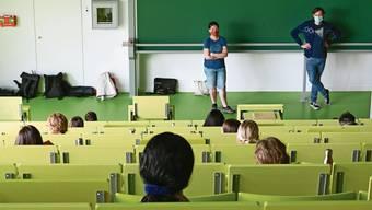 In Basel wurden die Prüfungen ins Homeoffice verlegt, an vielen deutschen Unis indes wurde vor Ort geprüft.