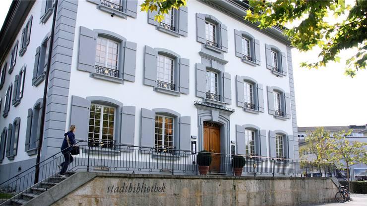 Die Stadtbibliothek Aarau soll zur Drehscheibe für Generationenprojekte werden.