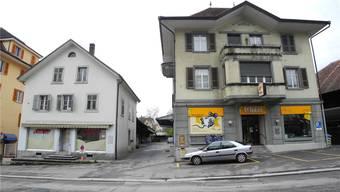 Noch ist unklar, was mit dem «Paris»-Haus (links) und der Chäsi (rechts) geschehen soll.