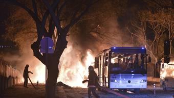 Autobombe in Ankara gegen Militärkonvoi