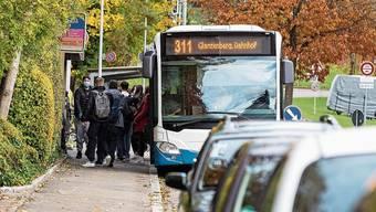 Im Bus der Linie 311 nimmt man es laut Erika Herger zu locker mit der Maskenpflicht.
