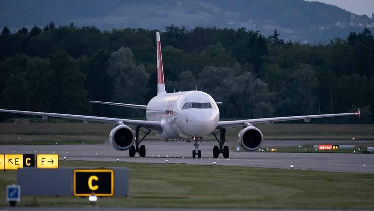 In Zukunft wird beim Fliegen eine Abgabe zwischen 30 und 120 Franken fällig.