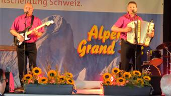 Die Radys (Mario Baur und Markus Zemp von links) haben sich in Samnaun für den Final des Alpen Grand Prix 2012 qualifiziert. zvg