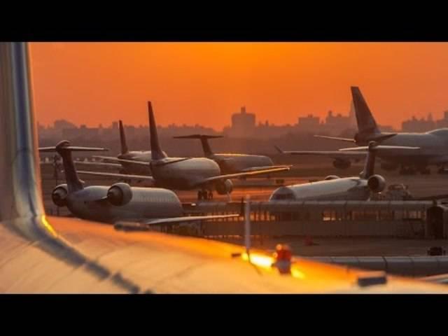 An Flughäfen geht ja viel verloren – aber drei Riesenjets? Der Kuala Lumpur International Airport suchte den Besitzer mit Zeitungsanzeigen