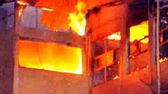 Brennendes Gebäude in Costa Rica (Symbolbild)