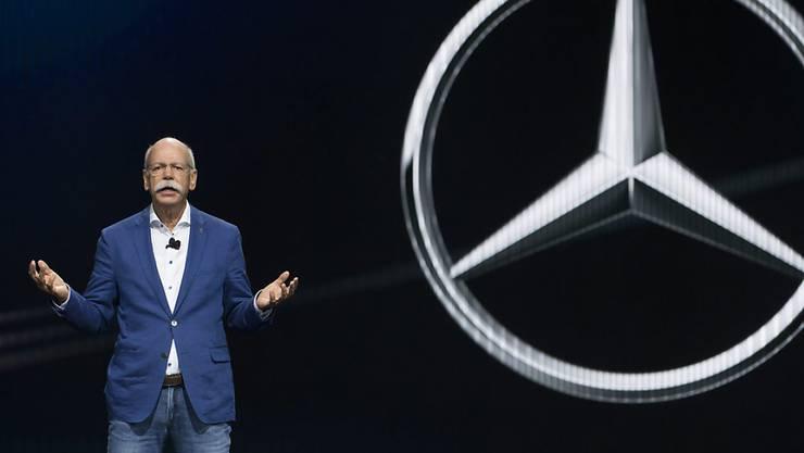 Daimler-Chef Dieter Zetsche muss erneut einen deutlichen Gewinnrückgang im ersten Quartal verkünden. (Archiv)