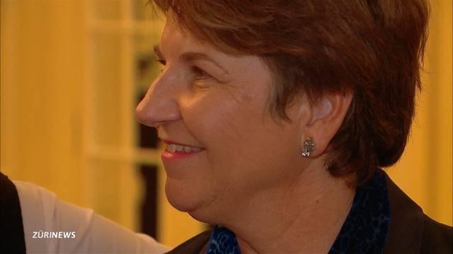 Erster Auftritt von Viola Amherd nach Kandidatur-Verkündung