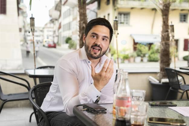 Engagierter Debattierer: Wermuth beim Interview  im «Havanna», Zofingen.