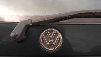 Mit einem schwarzen VW Golf (Symbolbild) war der angeklagte Uber-Pop-Fahrer unterwegs – in Basel und Baselland. Dafür steht er am 7. November vor Gericht. (Archiv)